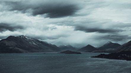beach-black-and-white-clouds-414491.jpg